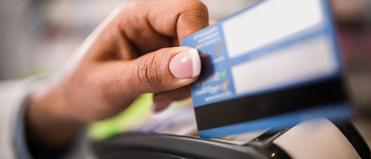 Как правильно оформить кредитную карту и в каком банке? Где взять лучшую кредитную карту без справок и со льготным периодом? Узнайте на protivdolgov.ru