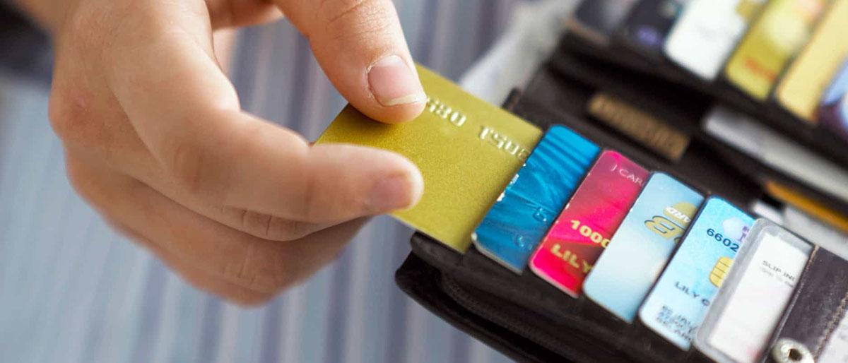 Где можно оформить ипотеку и потребительский кредит по сниженной процентной ставке? Какие банки предлагают лучшие ставки по займам? Расскажем на protivdolgov.ru